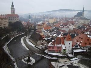 Панорама города.Слева замок,справа Собор Св.Вита.