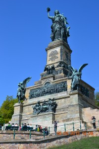 "Монумент Германия"" близ Рюдехайма"