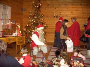 Деревня Кухмо. В домике Санта Клауса.